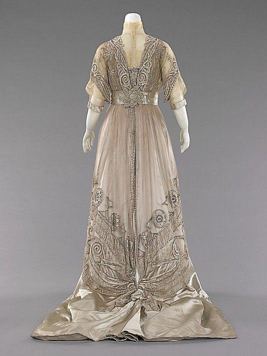 Evening dress 1908–10