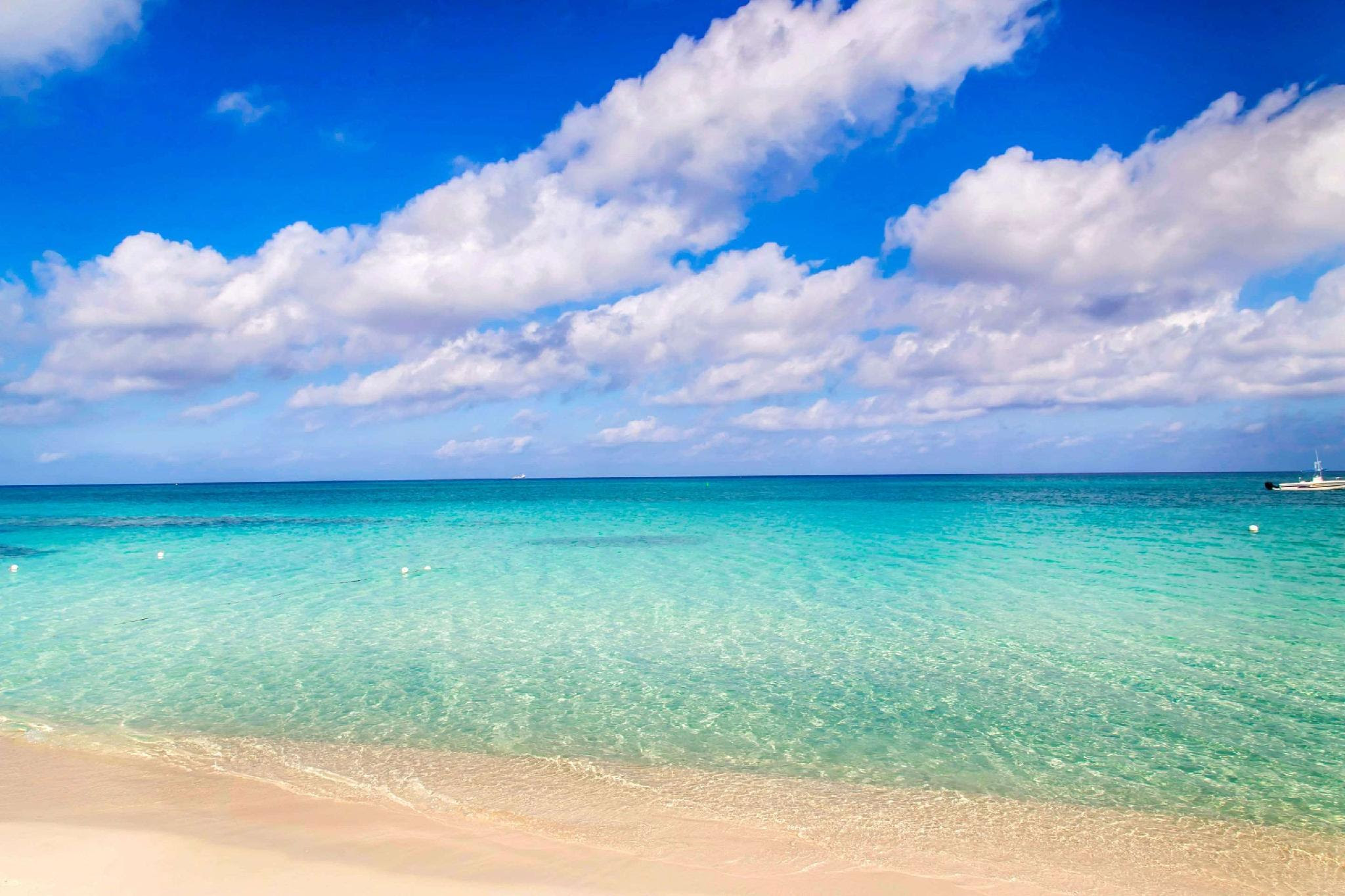 Review Comfort Suites Seven Mile Beach Cayman Islands