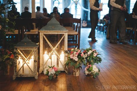 Rustic Chic Winter Wedding at The Stockroom in Raleigh
