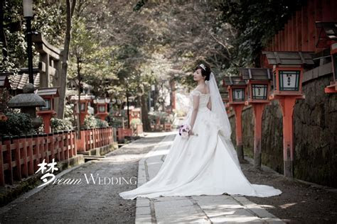 Week Day Promotion Gown Rental   Dream Wedding