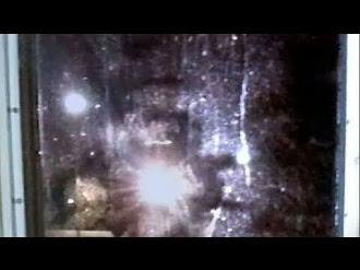 Poltergeist Captado en Video / Ghost caught on Security Cam
