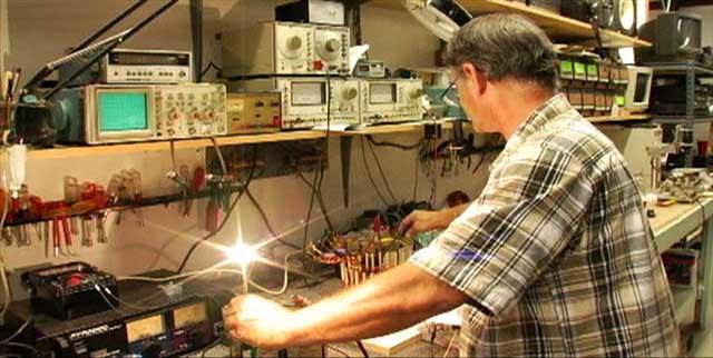 http://johnbedini.net/john34/bedini%20111.jpg