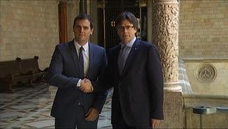 Albert Rivera i Carles Puigdemont al Palau de la Generalitat