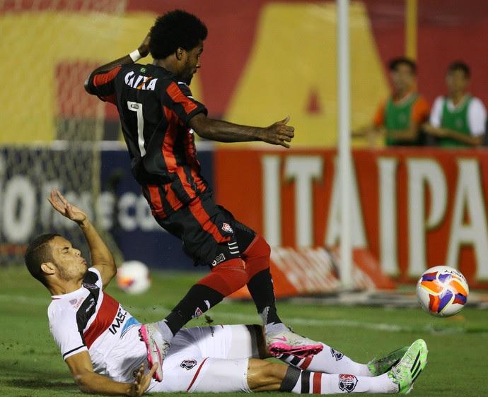Vitória x Santa Cruz Série B (Foto: Felipe Oliveira / Agif / Estadão Conteúdo)