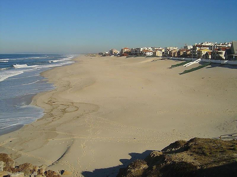 Ficheiro:Praia de Pedrógão3.jpg