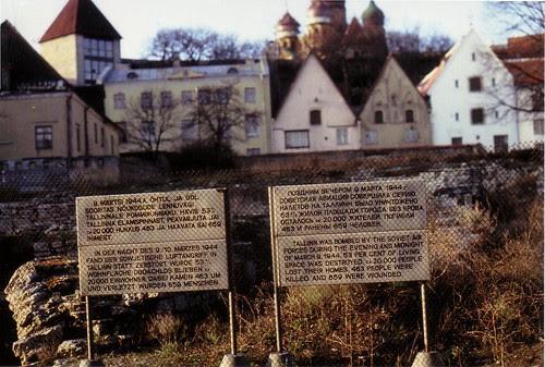 Tallinn 1991 old town ruins