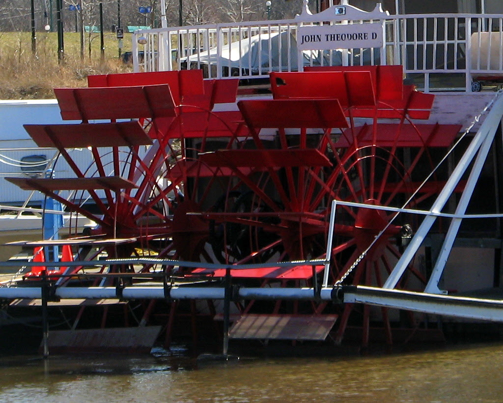 paddle wheel on the back of a ship on the Mississippi River