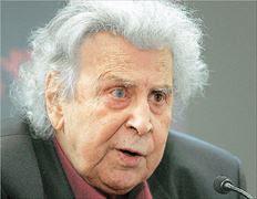 Συνέχεια σε όσα είχε πει στον Λυκαβηττό, στα πλαίσια της συναυλίας προς τιμήν του, αλλά και στην προηγηθείσα συνέντευξή του προς «ΤΑ ΝΕΑ» δίνει ο Μίκης Θεοδωράκης. Ο μεγάλος συνθέτης, με αφορμή τις επισημάνσεις που έκανε στη στήλη «Προεκτάσεις» ο Γιώργος Λακόπουλος, τού απέστειλε επιστολή στην οποία δίνει νέα έμφαση στη διαπίστωση ότι «η χώρα τέλει υπό Κατοχή», αναφερόμενος στο Διεθνές Νομισματικό Ταμείο και την τρόικα. Υστέρα από μια μικρή προσωπική εισαγωγή, ο Μίκης γράφει: