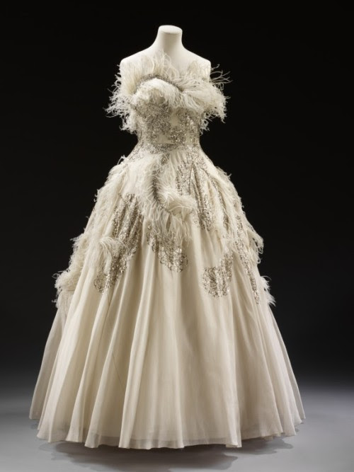 Evening Dress Pierre Balmain, 1950-1955 The Victoria & Albert Museum