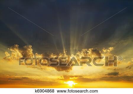 Foto - amanhecer, céu. Fotosearch - Busca de Imagens Fotográficas, Impressões e Fotos Clip Art