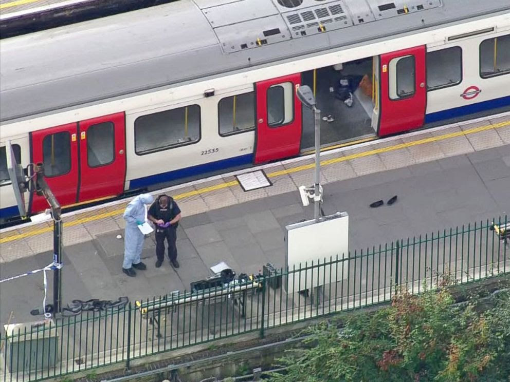 PHOTO: Forensic officers work at the Parsons Green Underground Station after an explosion in London Sept. 15, 2017.