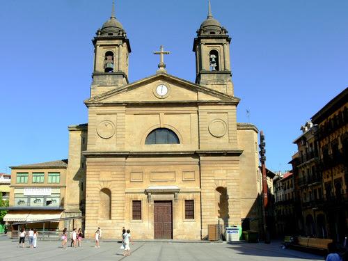 Figura 14. San Juan de Estella (Navarra). Colapsos de suelo por obras adyacentes.