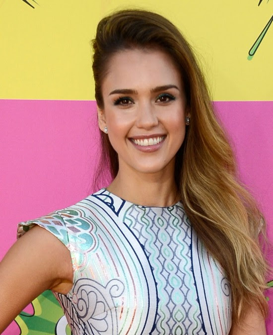 Jessica-Alba-at-Nickelodeons-26th-Annual-Kids-Choice-Awards-in-Los-Angeles-Pictures-Photos-1