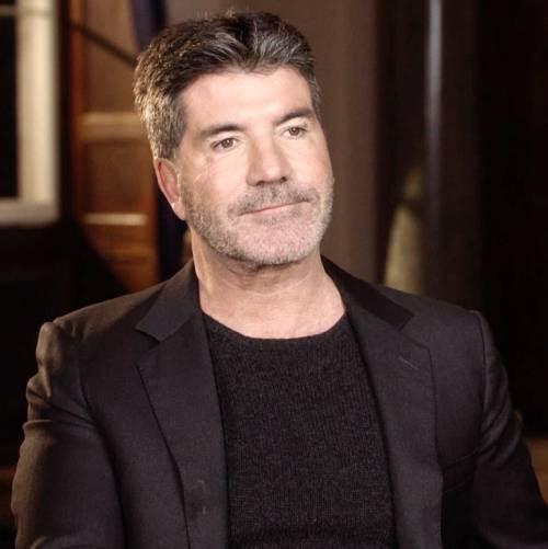 Simon Cowell-a-trataţi-lui-războindu-ex-prietenele-la-o croaziera-vacanta-