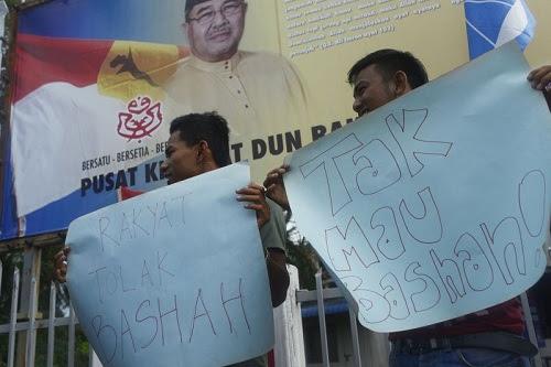 Rakyat proMukhriz berhimpun tolak MB Kedah baharu