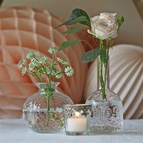 1 x Dainty Pressed Glass Vase   Wedding Centrepiece / Bud