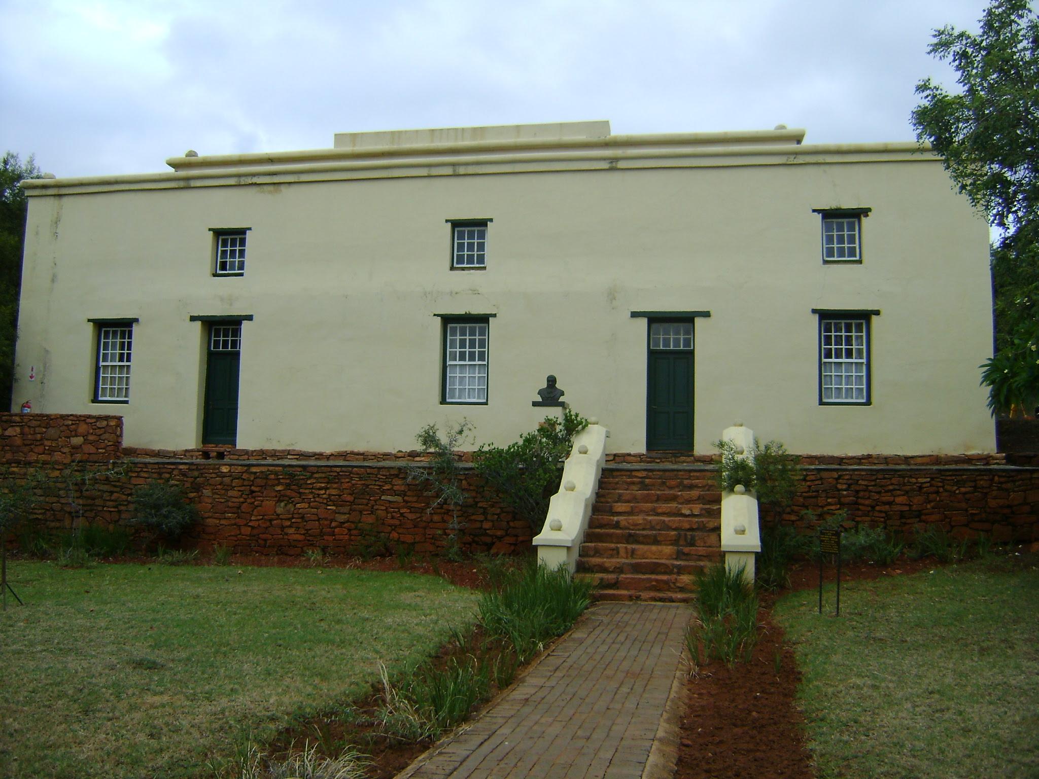 http://tuksarchaeology.files.wordpress.com/2012/04/boekenhoutfontein-645.jpg