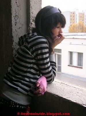 fashion blogs: Emo Sad Girls Desktop Wallpapers