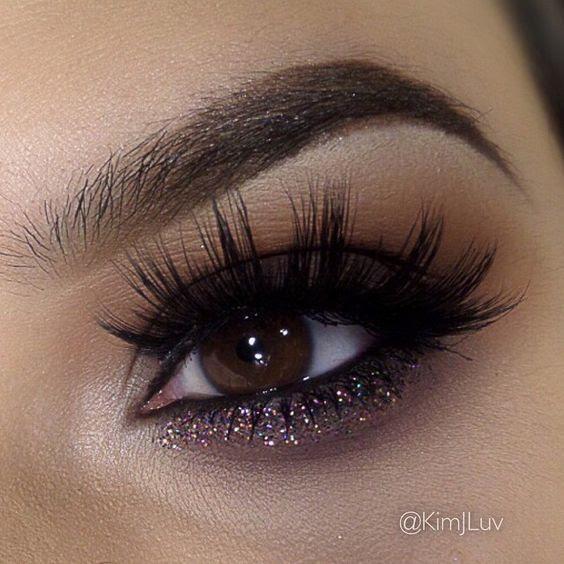 How to Apply False Eyelashes for Beginners Easily - Pretty ...