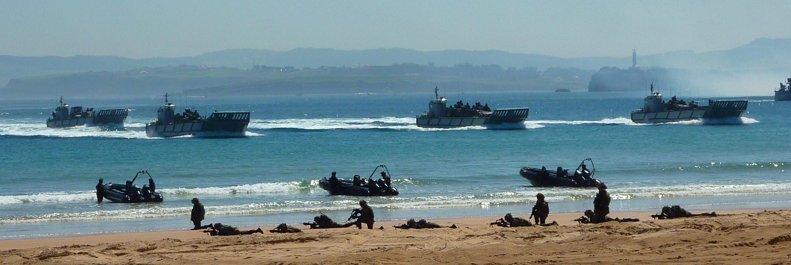 Resultado de imagen para Embarcación de Desembarco LCU