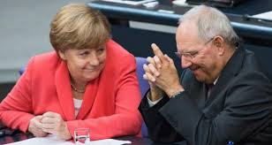 """Berlino  ci dà lezioni. In """"chiagne e fotte""""."""