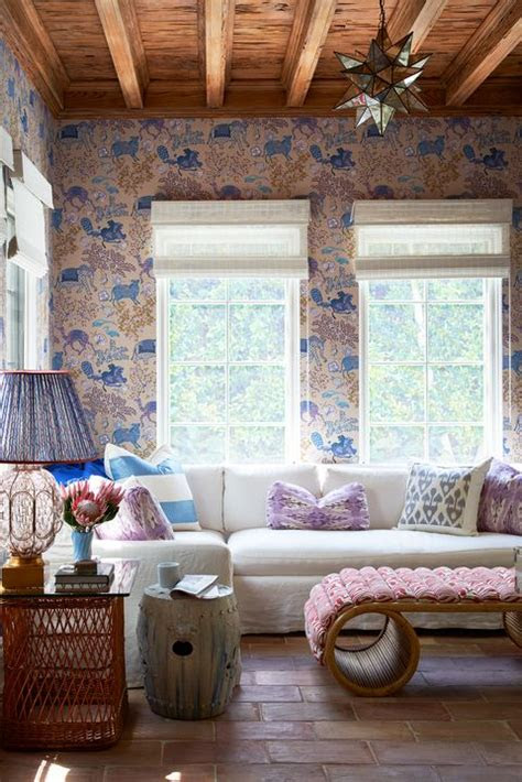 timeless living room wallpaper ideas  stand  test