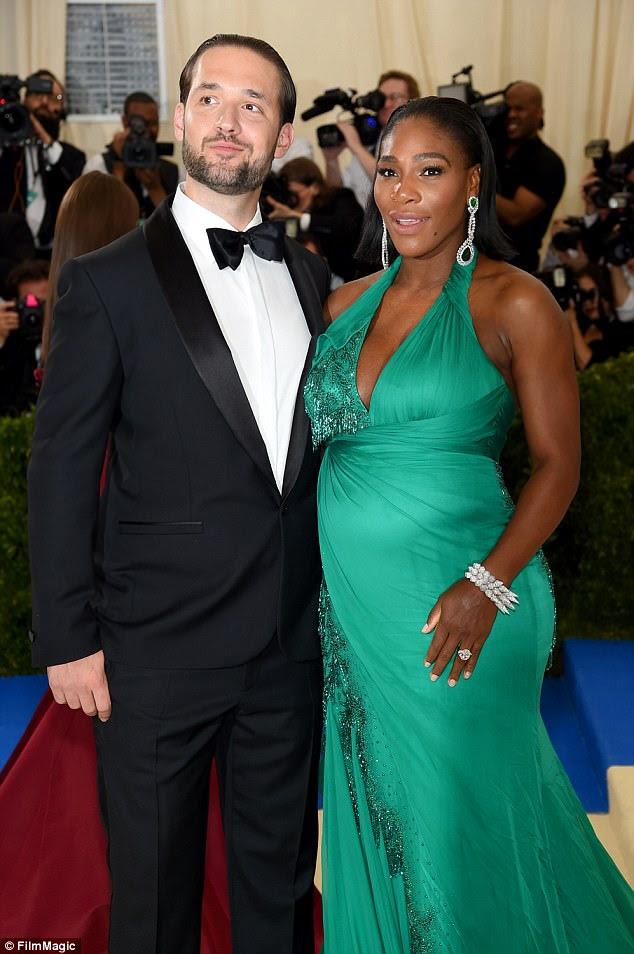 Alexis Ohanian e Serena Williams (foto em maio) ainda não foram vistos no local do casamento