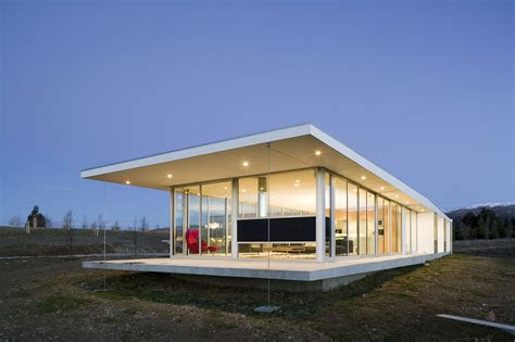 modern glass house   zealand homedezen