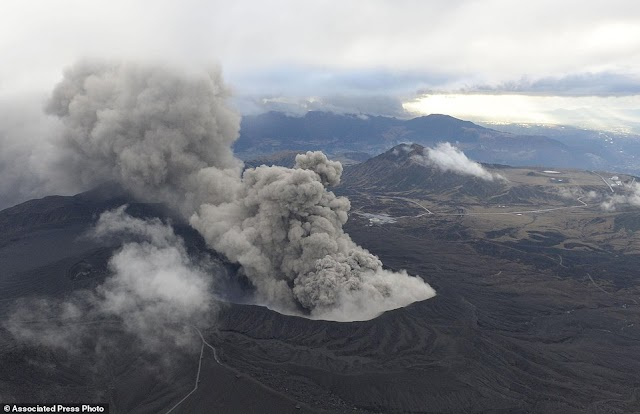 Japan's Largest Volcano Mt. Aso Erupts, Forces Evacuation of Tourists