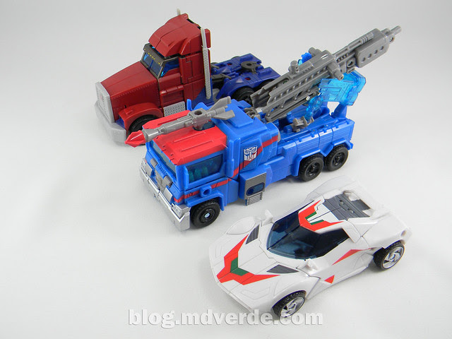 Transformers Ultra Magnus Voyager - Transformers Prime RID - modo alterno vs Optimus Prime vs Wheeljack