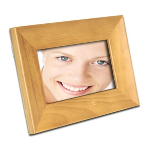 Smartparts Spdpf70ew 7 Walnut Wood Digital Picture Frame At