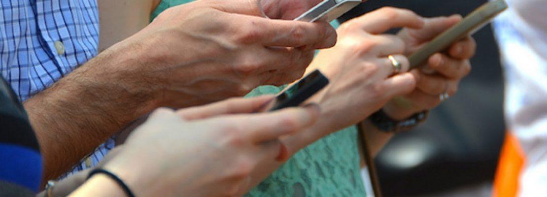 Πόσο κόστισαν στη βιομηχανία smartphones τα «μαϊμού» τηλέφωνα