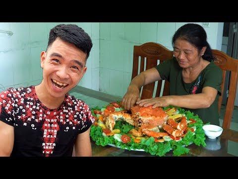 PHD | Thách Mẹ Ăn Cua Hoàng Đế 7 Triệu Trong Vòng 10 Phút | Challenge Mom To Eat Alaska King Crab