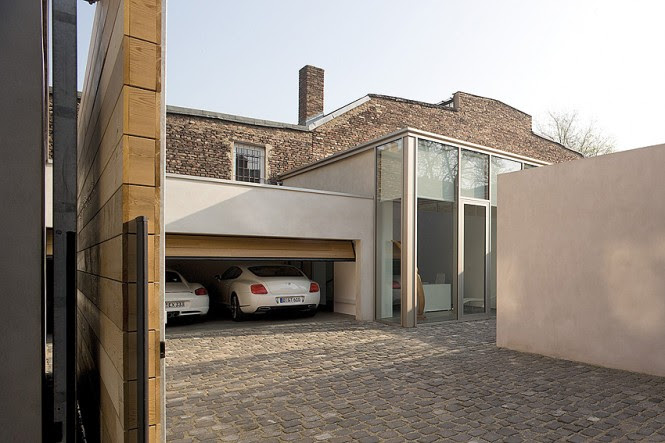 Double Garage Cobbled Driveway