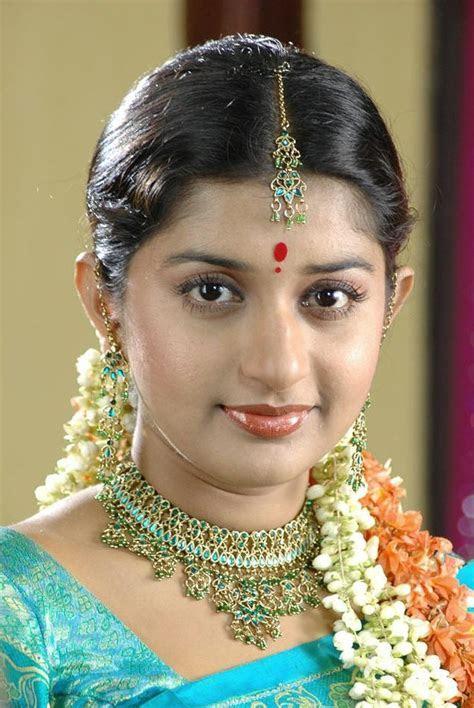 Meera Jasmine Bra Size, Age, Weight, Height, Measurements