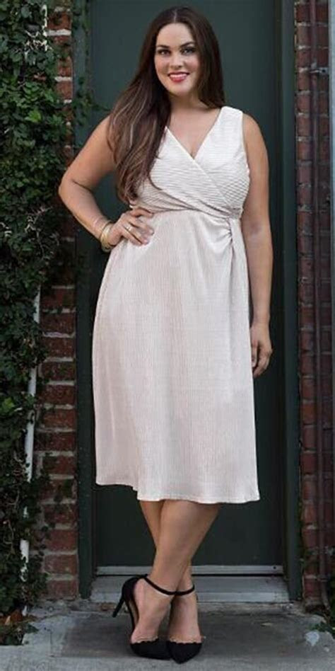 18 Stunning Plus Size Mother Of The Bride Dresses