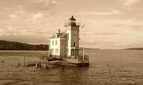 Rondout lighthouse by KingstonNews