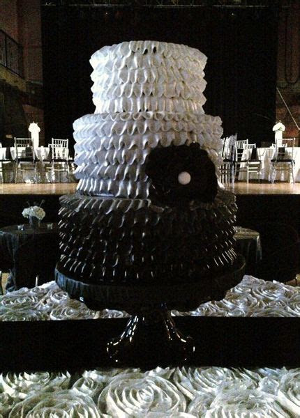 Ombre ruffle wedding cake. Black to white. Black cake