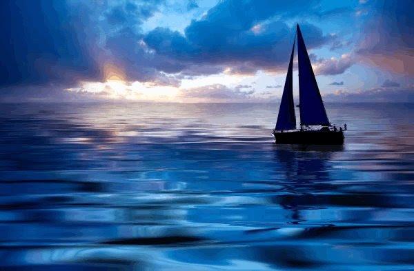 Resultado de imagem para barquinho no mar