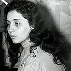 http://algerianreview.files.wordpress.com/2009/12/young-bouhired.jpg