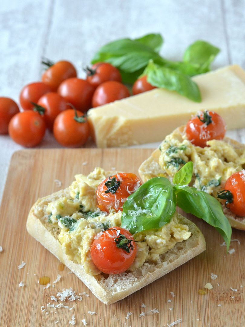 Italian Scrambled Eggs on Toast