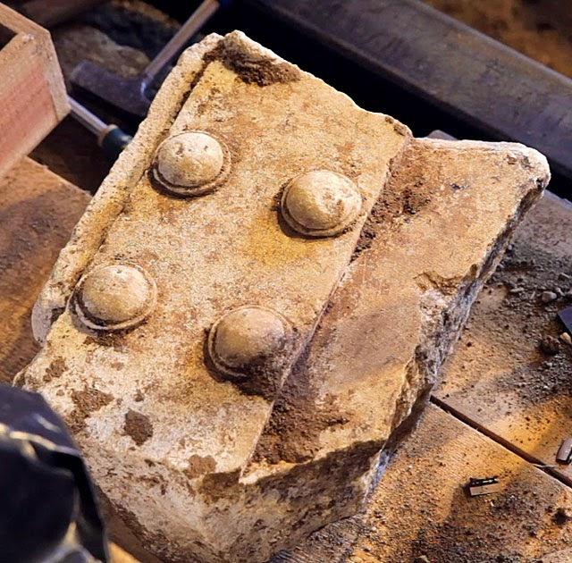 Αμφίπολη : Βρήκανε Θύρα ..!!!.....Τώρα είναι μακεδονικός ή όχι ;