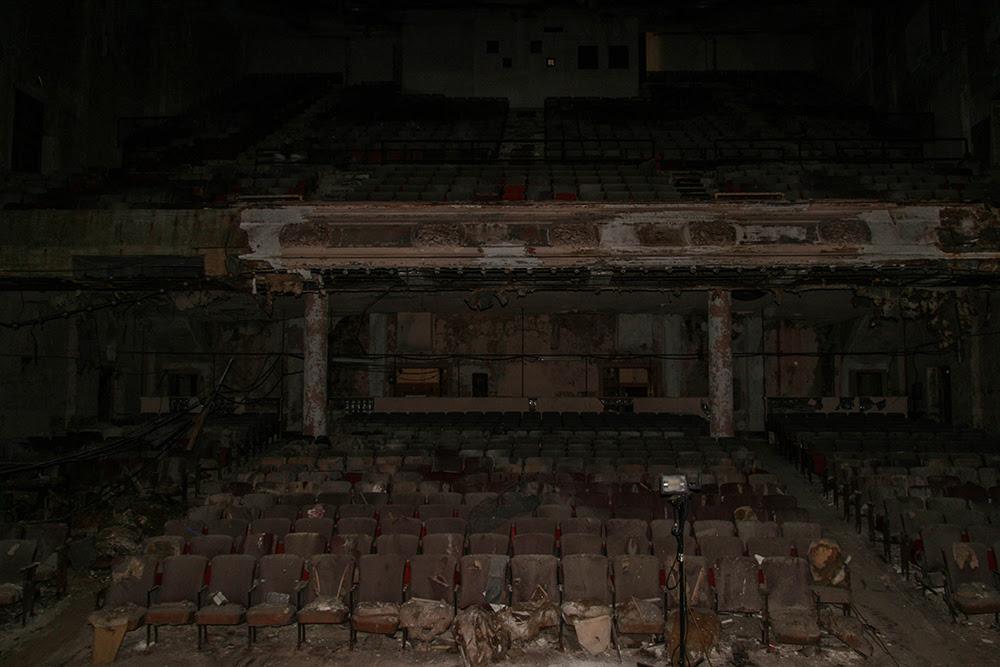 Sun Theater © 2014 sublunar