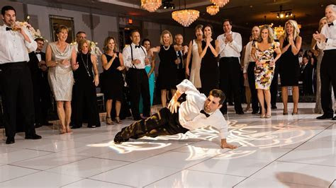 flourish wedding : atlanta wedding : toast events : vue