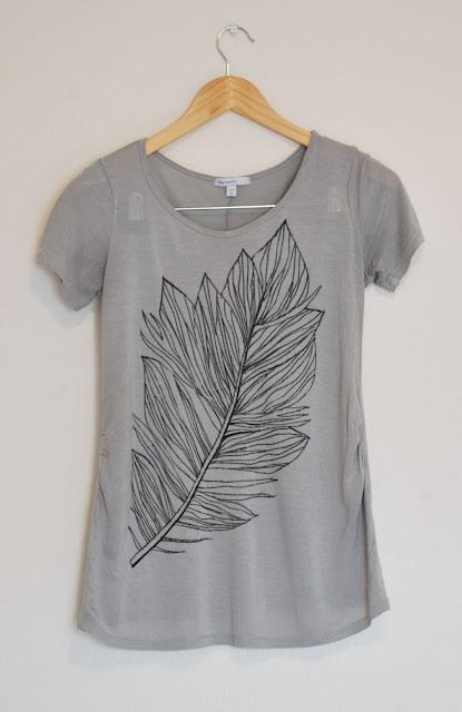 DIY Graphic Tee...make with a fabric marker (sounds like Joann Fabric has). Love.