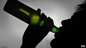 LSD pode ajudar alcoólatras a parar de beber, dizem cientistas  (Foto: PA)
