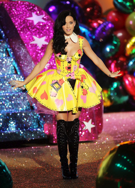 Katy Perry's crazy costume at 2010 Victoria's Secret Fashion Show