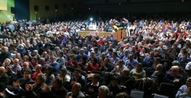 Cientos de asistentes al acto de CCOO y UGT en defensa del derecho de huelga.-CCOO