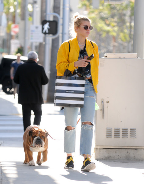 Sofia Richie Shops With Her Dog