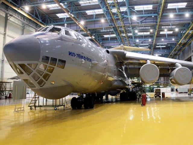 El nuevo avión de carga militar Ilyushin Il-76MD-90A acaba de entrar en producción en serie en Ulyanovsk ha completado su primer vuelo. Se convertirá en la plataforma para un futuro plano de detección y control de radar de largo alcance prototipo, A-100. Preocupación Vega, que forma parte de la Instrument Corporation Unidas, ha desarrollado un sistema de radar de estado-of-the-art para el nuevo avión.